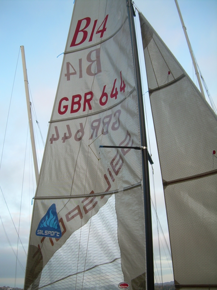 B14 - 644 - Team SailSport 022